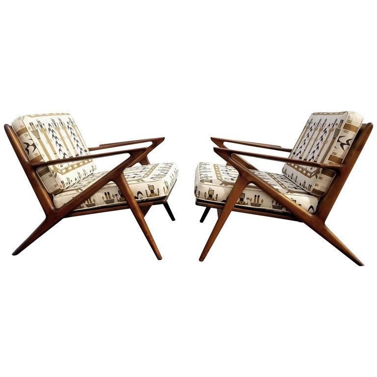 Pair of Iconic Z Lounge Chairs by Poul Jensen for Selig For Sale