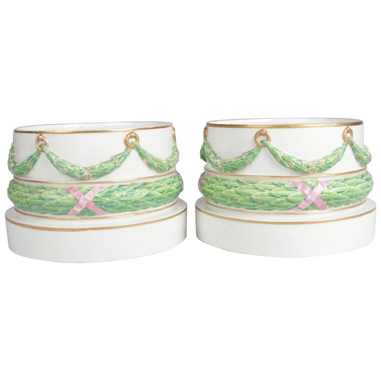 Pair of Meissen Hand-Painted and Gilt Draped Garland Porcelain Sculpture Plinths For Sale
