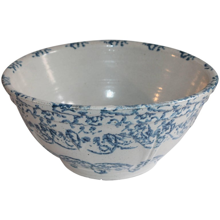 Sponge Ware Mixing or Fruit Bowl For Sale