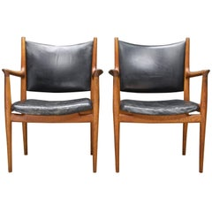 Pair of Heavily Patinated Hans Wegner Leather Armchairs JH-513 Chairs Rare Oak