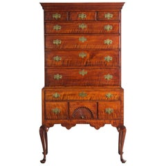 Superb American Queen Anne Curly Maple Highboy Chest of Drawers, circa 1760-1780