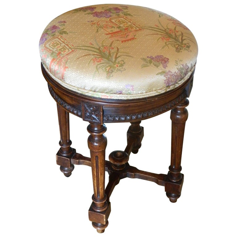 Oak Vanity Round Stool With An Upholstered Seat 20th