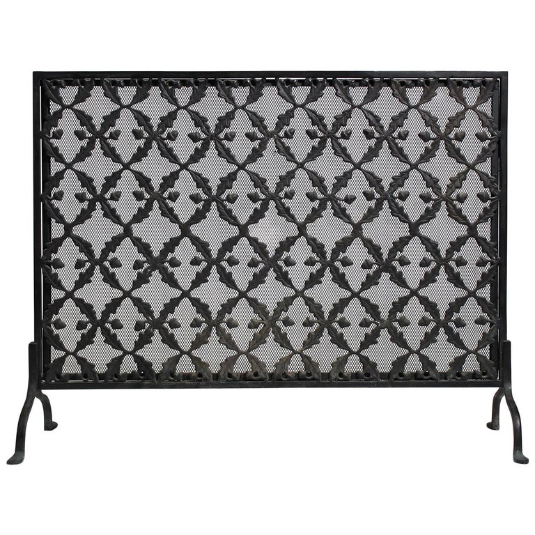 Antique Arts & Crafts/Aesthetic Movement Cast Iron Fire Screen with Acorn Motif For Sale