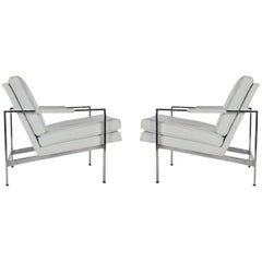 Pair of Milo Baughman Mid-Century Modern Lounge Chairs in White and Chrome