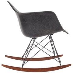 Midcentury Eames for Herman Miller Fiberglass Rocking Lounge Chair in Black