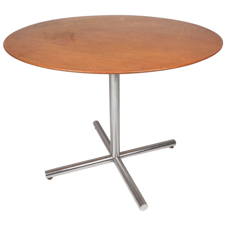 Mid-Century Modern Dining Table by Knoll International