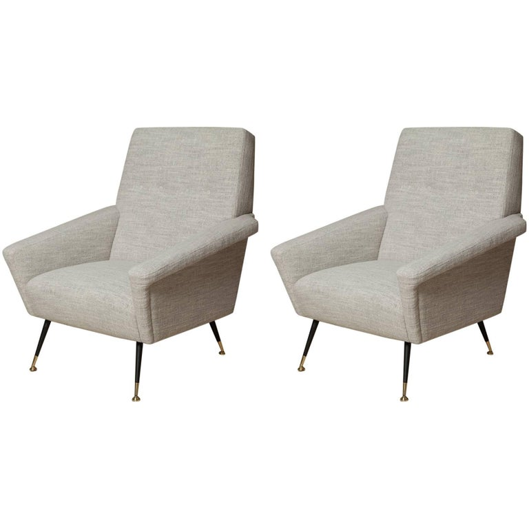 Fully Restored Pair of 1950s Italian Lounge Chairs in Belgian Linen
