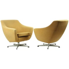 Swivel Club Chairs in Beige Fabric and Aluminium, Czechoslovakia, 1960