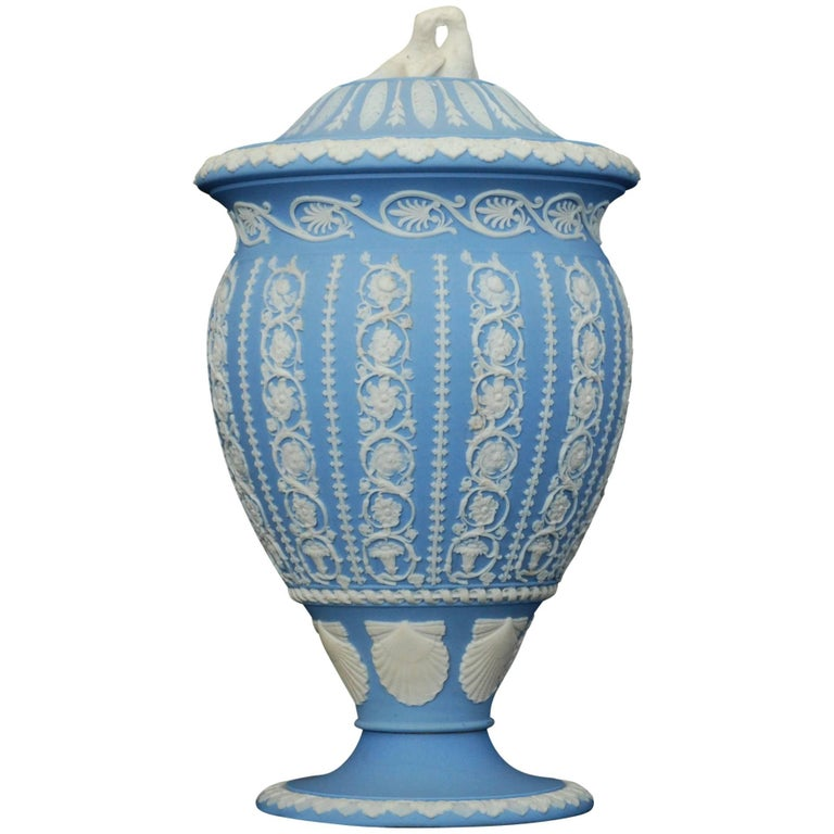 Jasperware Vase Shell And Arabeqsue Wedgwood Circa 1800 For Sale