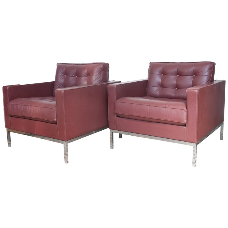 Aubergine Leather Pair of Florence Knoll Club Lounge Chairs