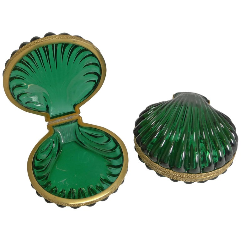 Pair of French Emerald Crystal Shell Shaped Jewelry Boxes, circa 1920