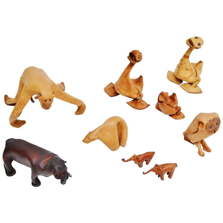 Deru Leather Crafted Set of Animals, 1960