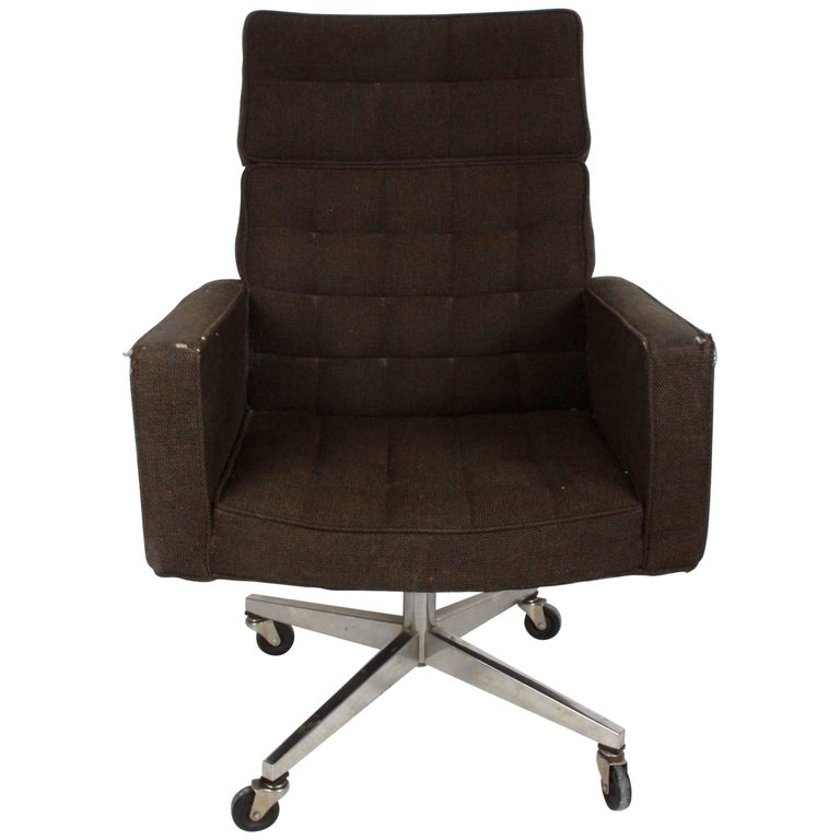 Vincent Cafiero for Knoll Executive Office or Desk Chair For Sale