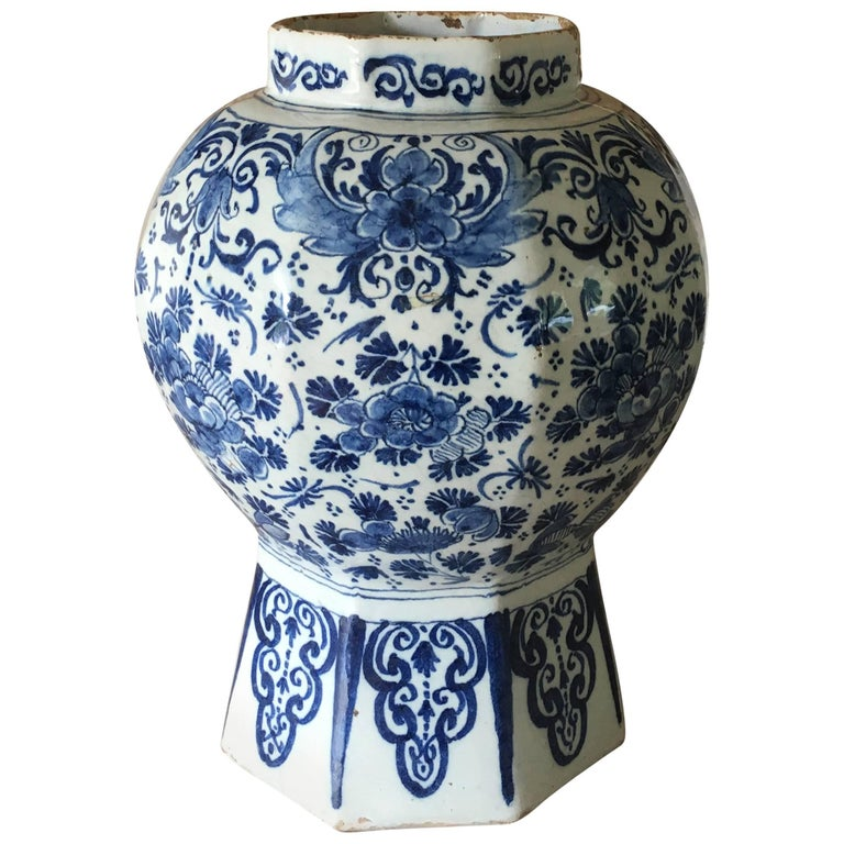 18th Century Dutch Delft Vase For Sale