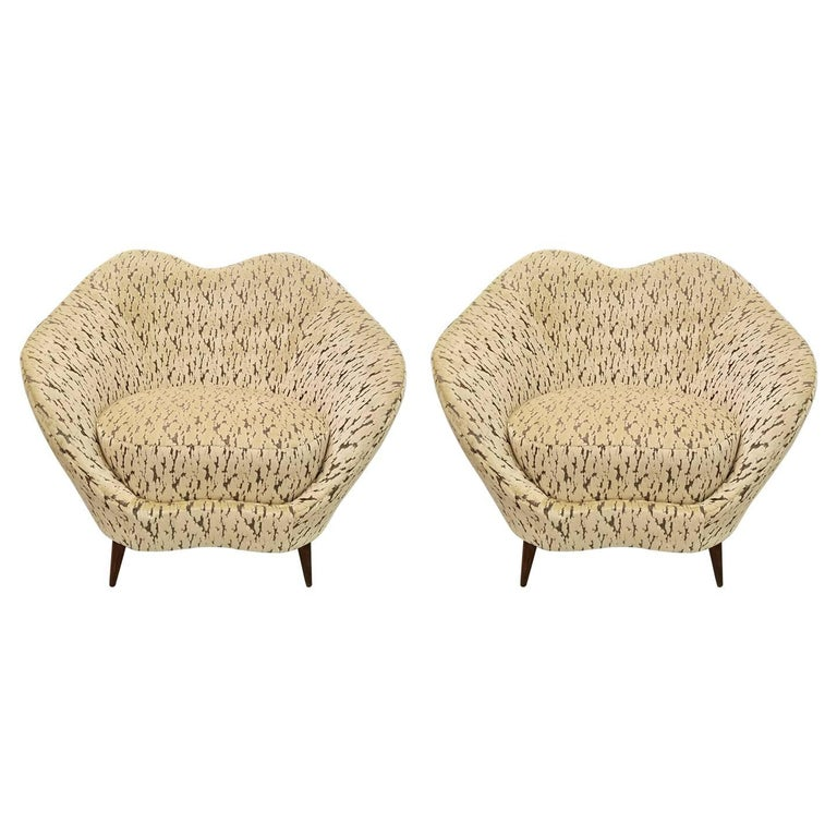 Pair of Federico Munari Italian Midcentury Ivory & Charcoal Velvet Lounge Chairs For Sale