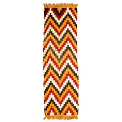 Complete Pre-Columbian Nazca Textile, Zig-Zag Patters, Nazca, Peru 200-400 AD