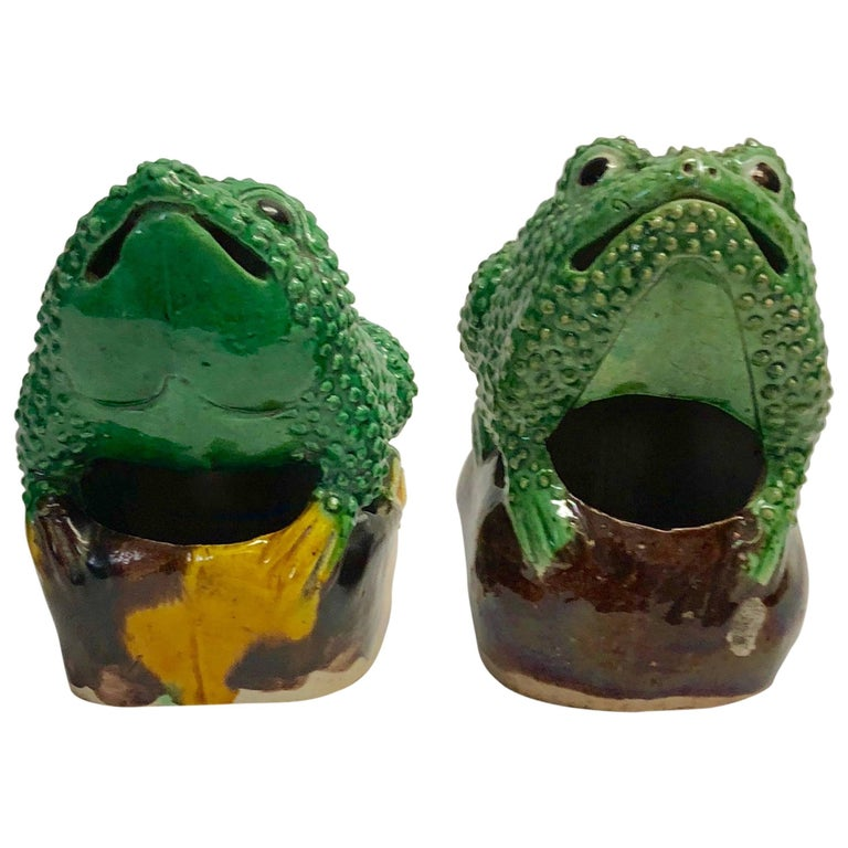 Pair of 19th Century Chinese Porcelain Famille Verte Egg/Spinach Glazed Frogs For Sale