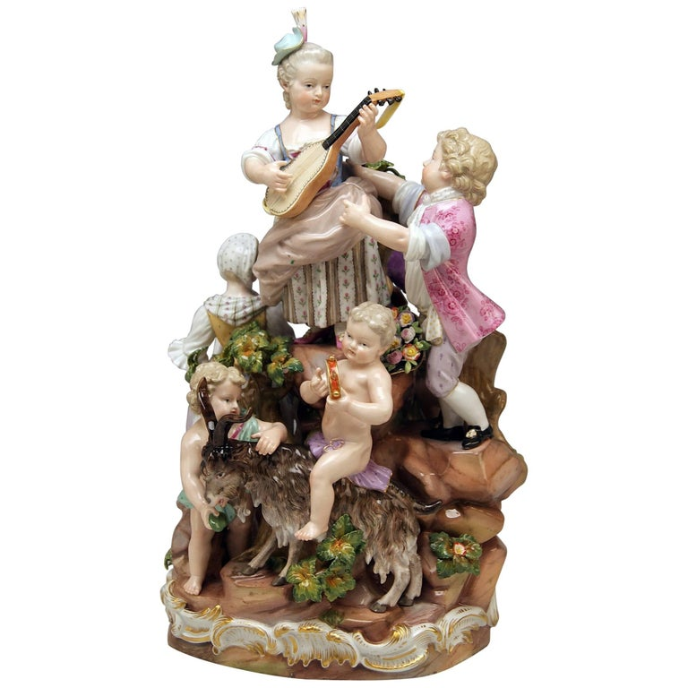 Meissen Bucolic Festival Figurines Cherubs Couple Musicians Acier, C 59, 1870 For Sale