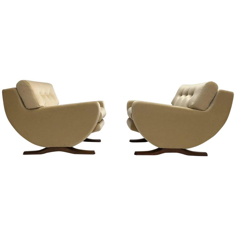 Rare Mohair Lounge Chairs by Italian Sculptor Franz T Sartori, Flexform, 1965 For Sale
