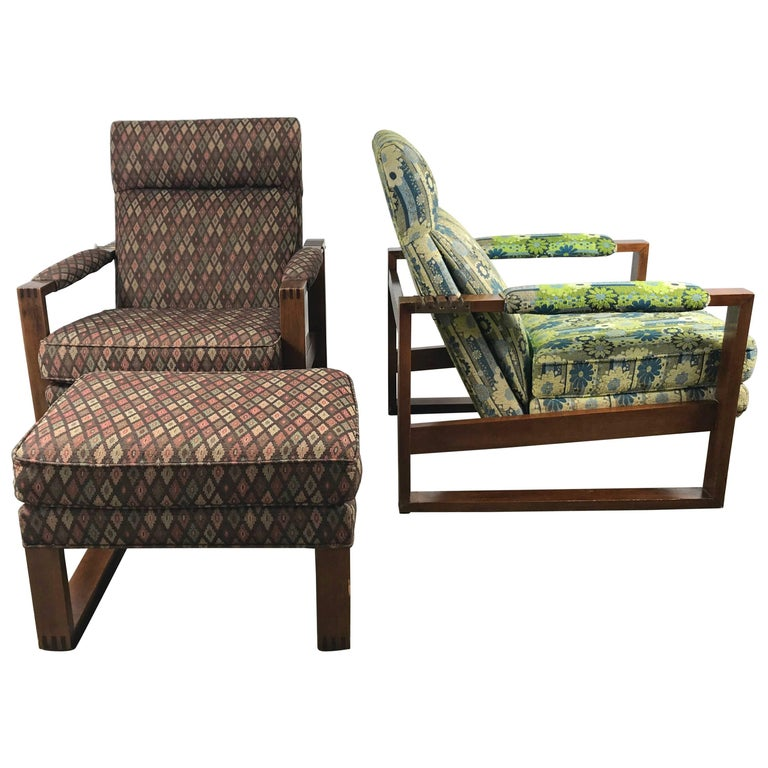Pair of Modern Morris Lounge Chairs with Ottoman by Bernhardt Furniture Co