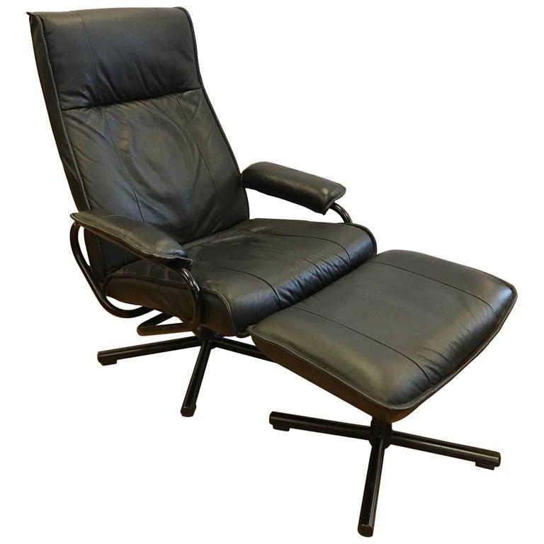 Danish Mid-Century Modern Black Pebbled Leather Recliner Lounge Chair & Ottoman