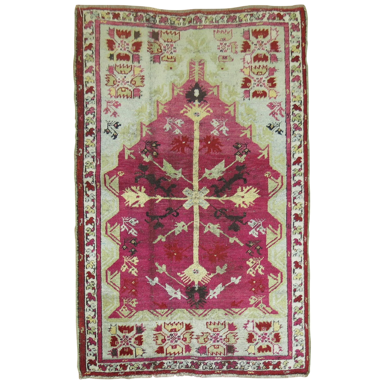 Antique Turkish Ghiordes Prayer Niche Rug