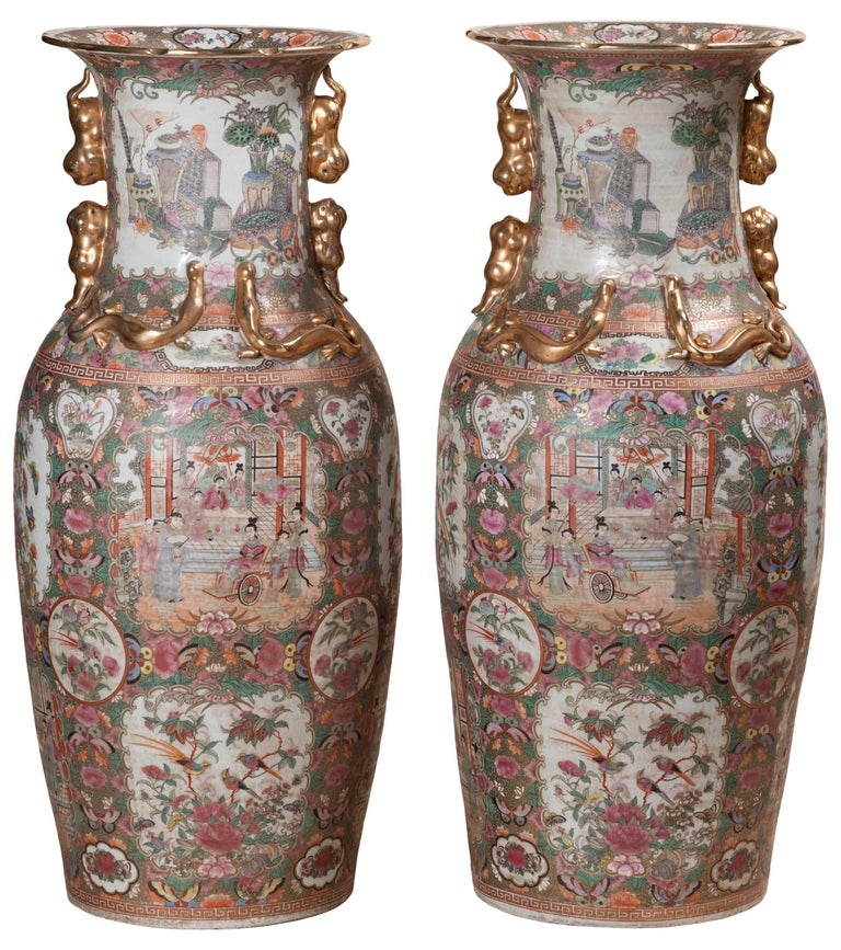Pair of 19th Century Canton Chinese Porcelain Ceramic Urns with Wooden Stands