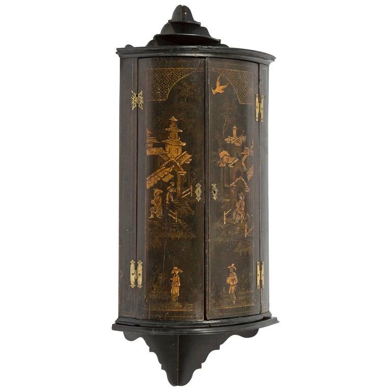 18th Century George III Hanging Corner Cabinet in Black Chinoiserie