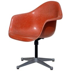 Charles Eames by Hermann Miller Design Fiberglass Shell Chair