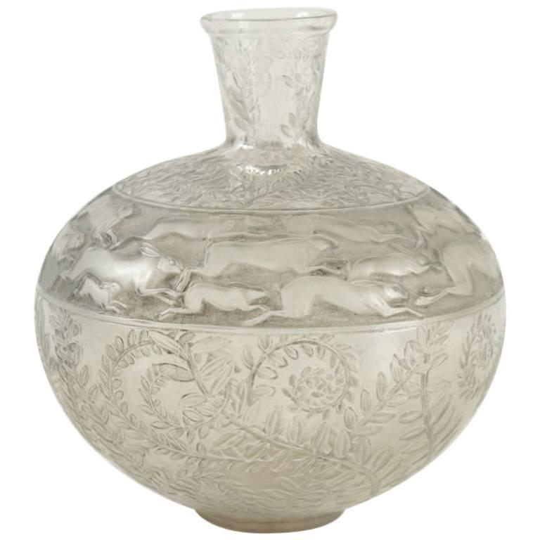 """Rene Lalique Vase """"Lièvres"""""""