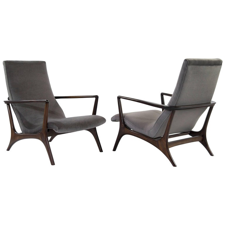Contour Lounge Chairs, Attr. to Vladimir Kagan