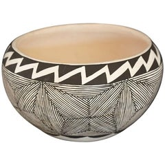 Native American Acoma Earthenware Bowl, Painted Black and White Graphic Design