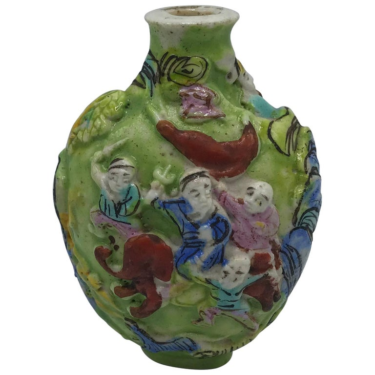 19th Century Green Polychrome Sculptural Snuff Bottle For Sale