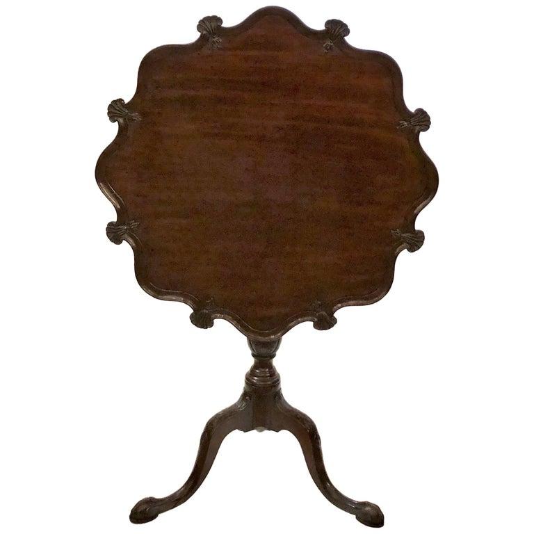Antique English Georgian Pie-Crust Mahogany Table, circa 1810-1830 For Sale