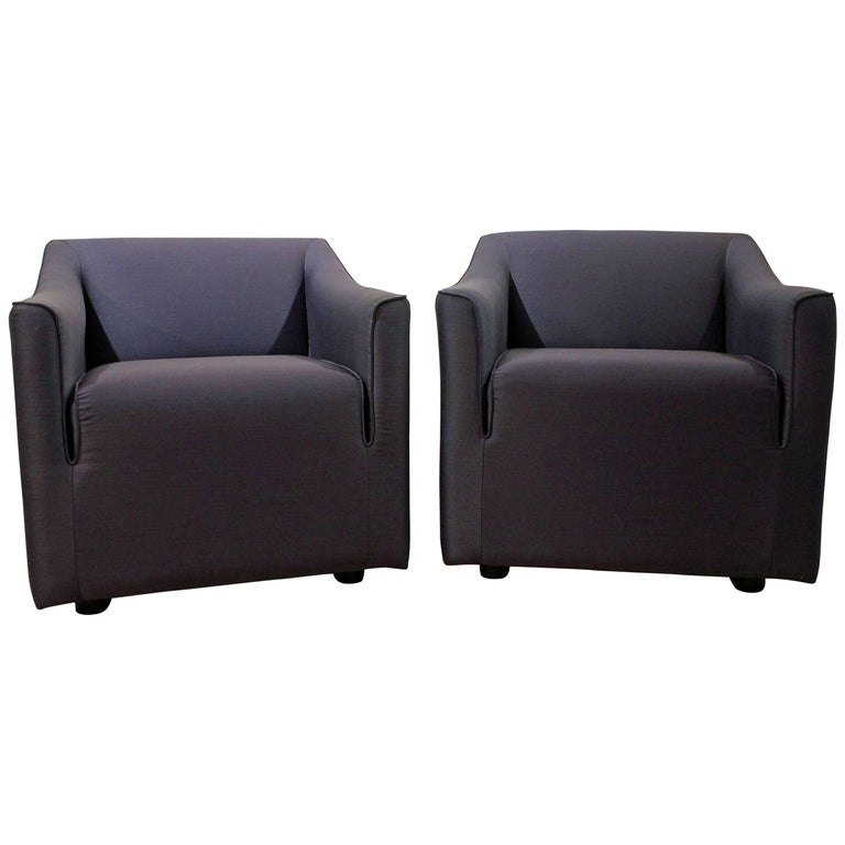 6409295ed1cf4 Pair of Mid-Century Modern Knoll Club Chairs For Sale at 1stdibs