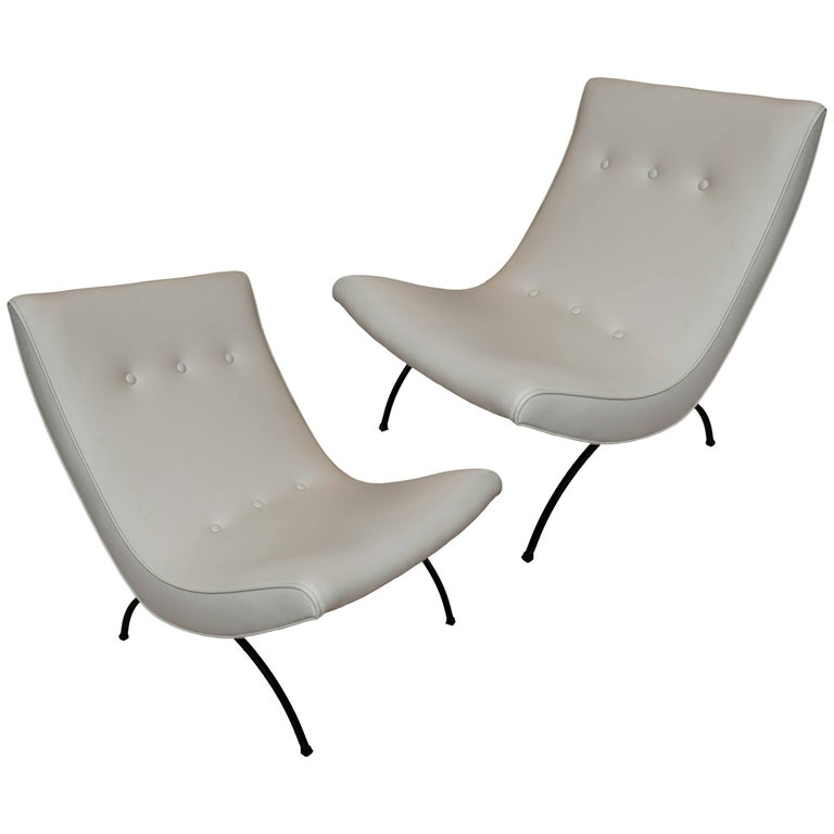 Pair of Vintage Scoop Chairs in the Manner of Milo Baughman For Sale