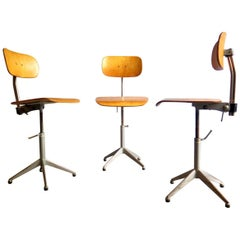 Industrial Finish Adjustable and Swivel Office Chair