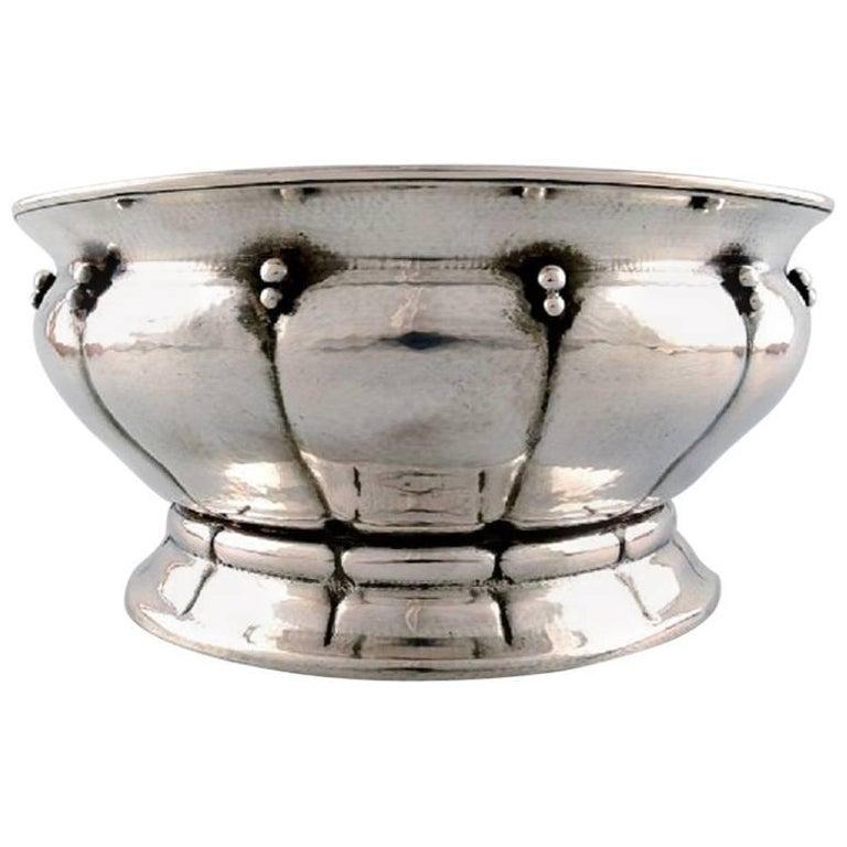 Large Art Nouveau Champagne Cooler Or Fruit Bowl Of Hammered Silver For