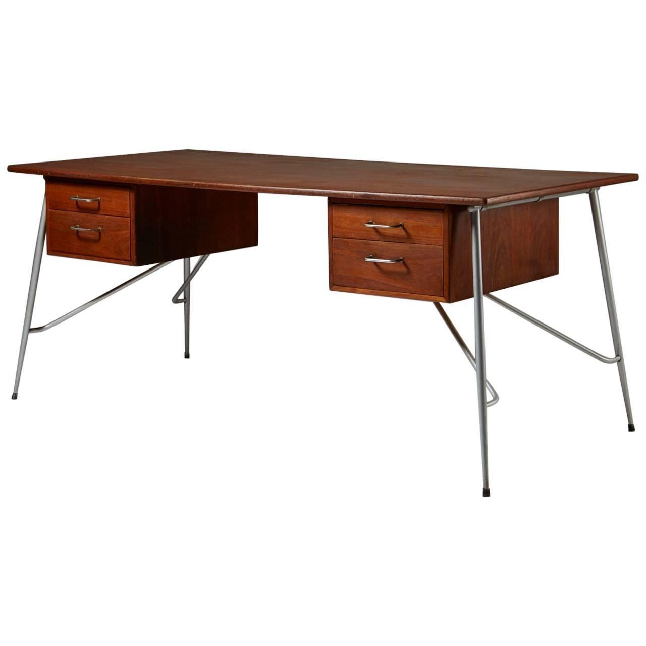 Desk Model 202 Designed by Börge Mogensen for Söborg Möbelfabrik, Denmark, 1953