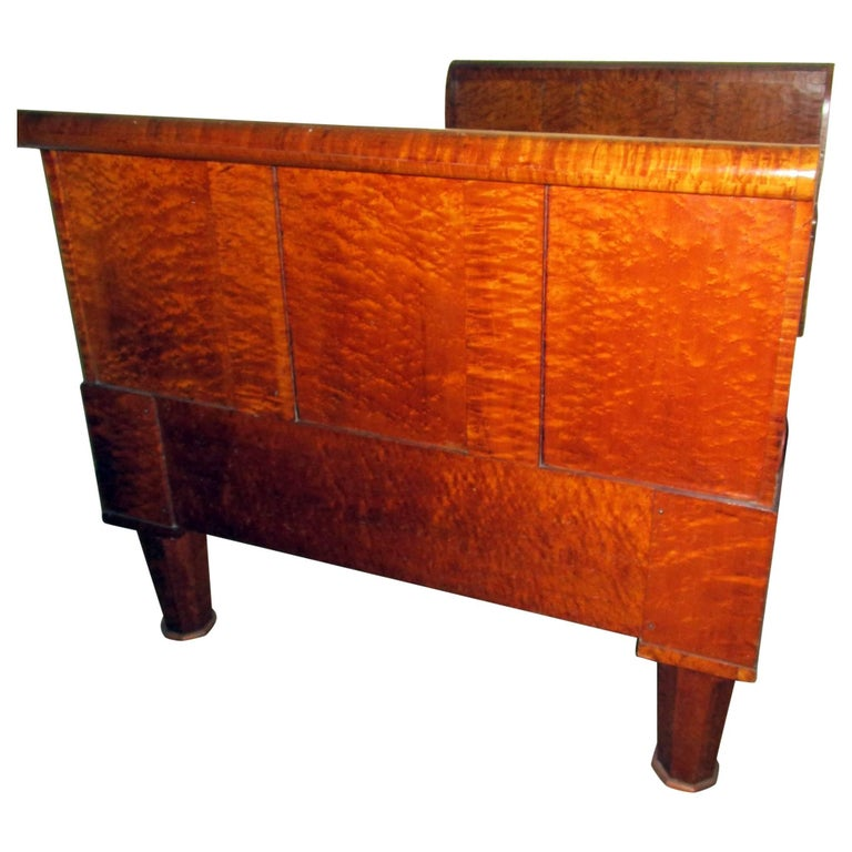 19th Century American Bird's-Eye and Tiger Maple Sleigh Bed