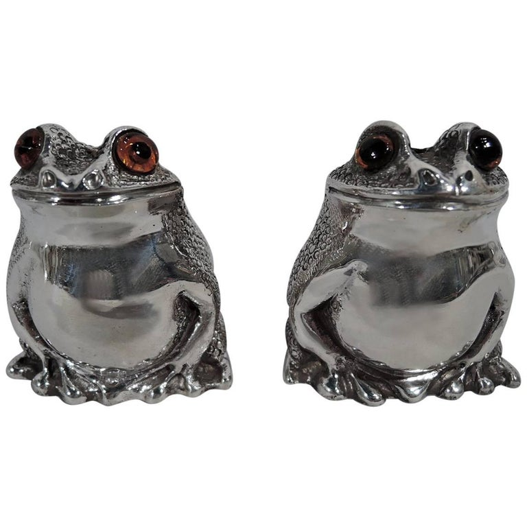 Pair of English Sterling Silver Novelty Frog Salt and Pepper Shakers For Sale