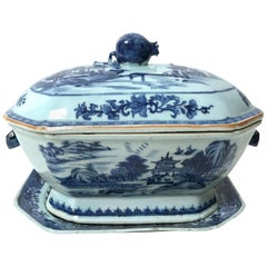 Chinese Export Blue and White Tureen and Underplate, circa 1790