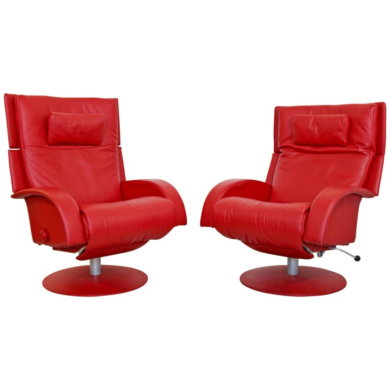 Mid-Century Modern Lafer Pair Red Leather Reclining Lounge Chairs 1970s Brazil