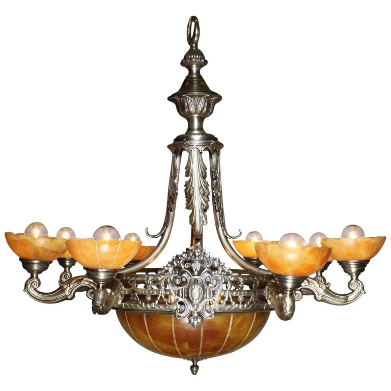 French Early 20th Century Art Deco Silvered Bronze and Alabaster Chandelier For Sale