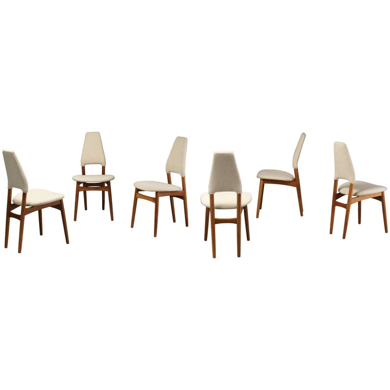Kurt Østervig, Six Dining Chairs, Oak Frame and Light Beige Fabric, Denmark For Sale