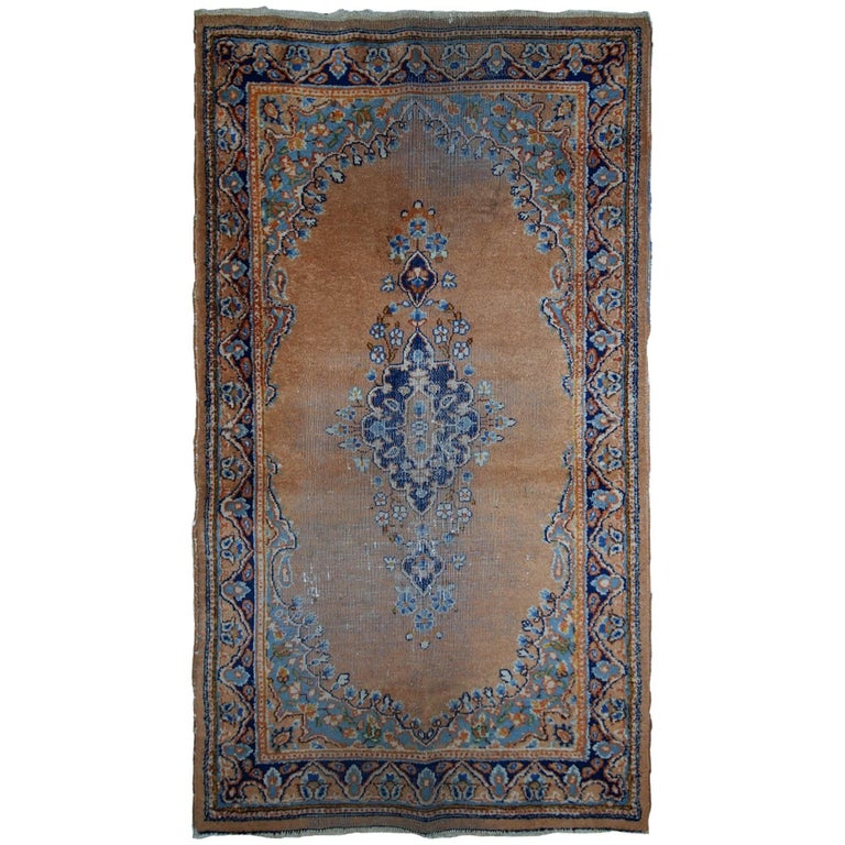 Handmade Vintage Pakistani Lahore Rug, 1970s For Sale At