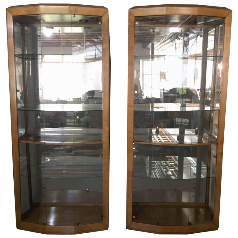 Stunning Pair Of Large Gl And Maple Henredon Curio Cabinets For