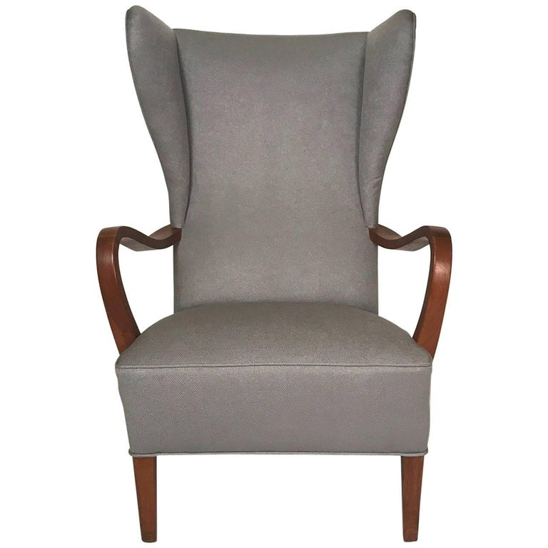 Wingback Lounge Chair.Mid-20th Century .modern