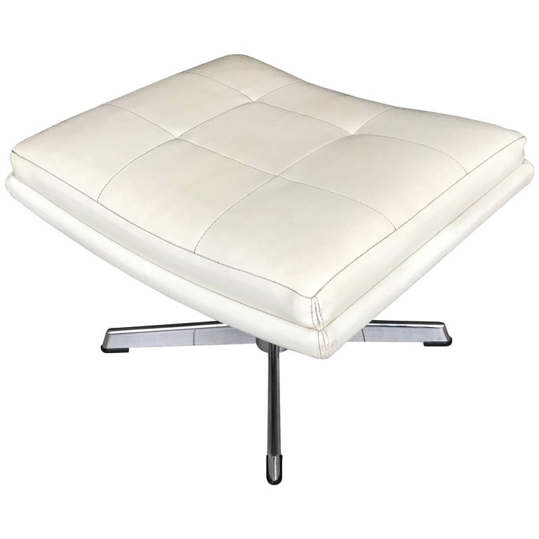 1970s Curved Shape White Leather Ottoman or Stool with Chrome Base