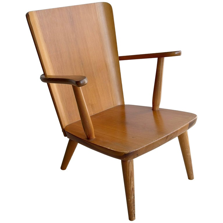 Rare Swedish Armchair in Pine by Goran Malmvall voor Svensk Fur, 1940s For Sale